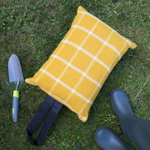 Kneeler Cushion - Windowpane Mustard/Black