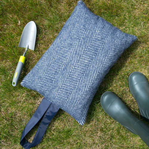 Kneeler Cushion - Fishbone Navy/Navy