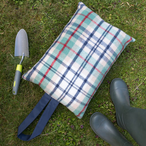 Kneeler Cushion - Country Check Seaside/Navy